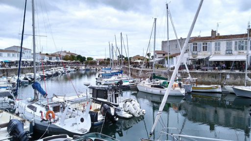 Anchorages and marinas in New Aquitaine