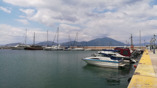 Anchorages and marinas in Evia