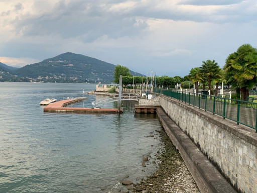 Anchorages and marinas in Lombardia