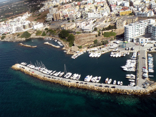 Anchorages and marinas in Puglia