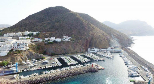 Anchorages and marinas in Almería
