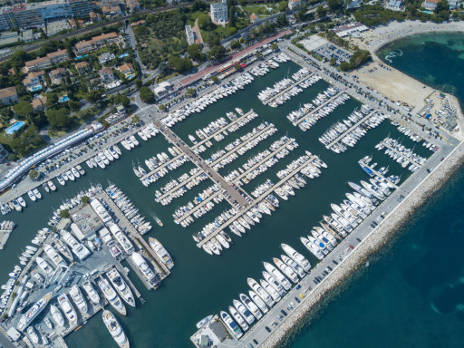 Anchorages and marinas in Provence-Alpes-Côte d'Azur
