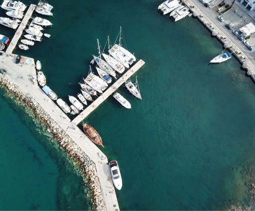 Anchorages and marinas in Naxos