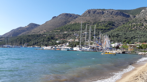 Anchorages and marinas in Thesprotia